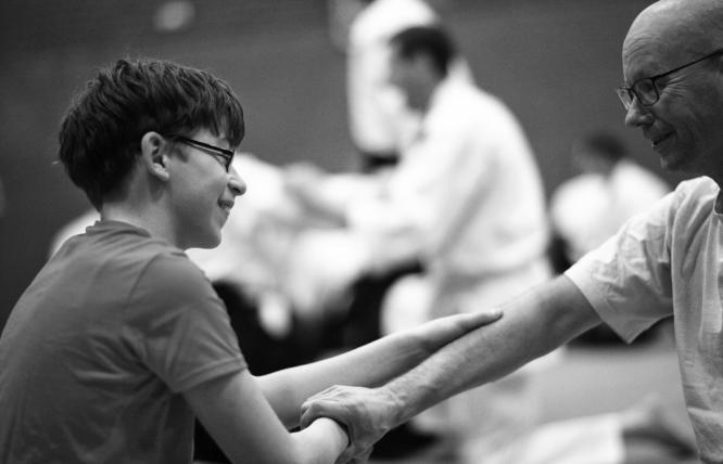 Bij Aikido Friesland trainen óók jonge mensen mee